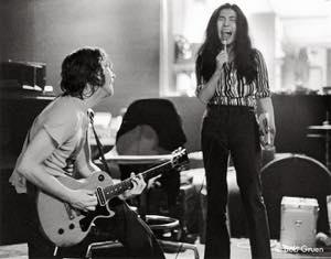 R-160_John&Yoko1972_Gruen_30